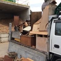 神奈川県茅ヶ崎市にて、木屑を積んできました。のサムネイル