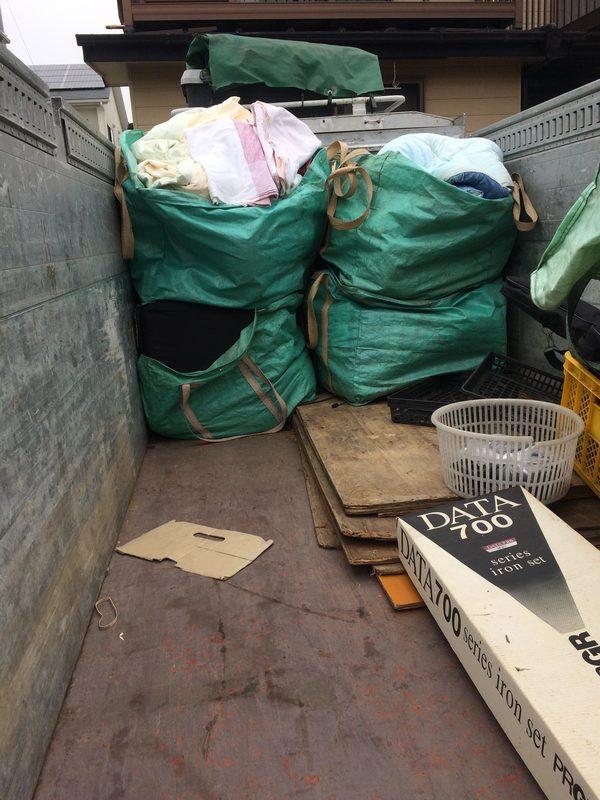 神奈川県平塚市にて、布団回収していました。のサムネイル