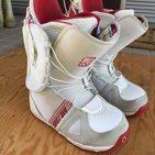 本日の買取品は、BURTONのスノーボードブーツです。