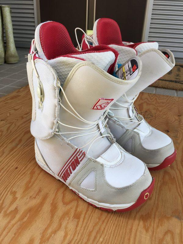 本日の買取品は、BURTONのスノーボードブーツです。のサムネイル