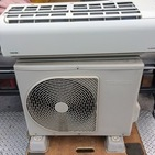 本日の買取品は,東芝ルームエアコン,RAS-221JRです。
