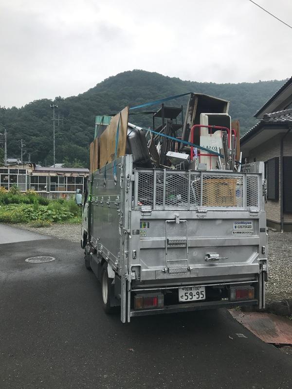 神奈川県相模原市南区にて、2トンいっぱい不用品回収しました。のサムネイル
