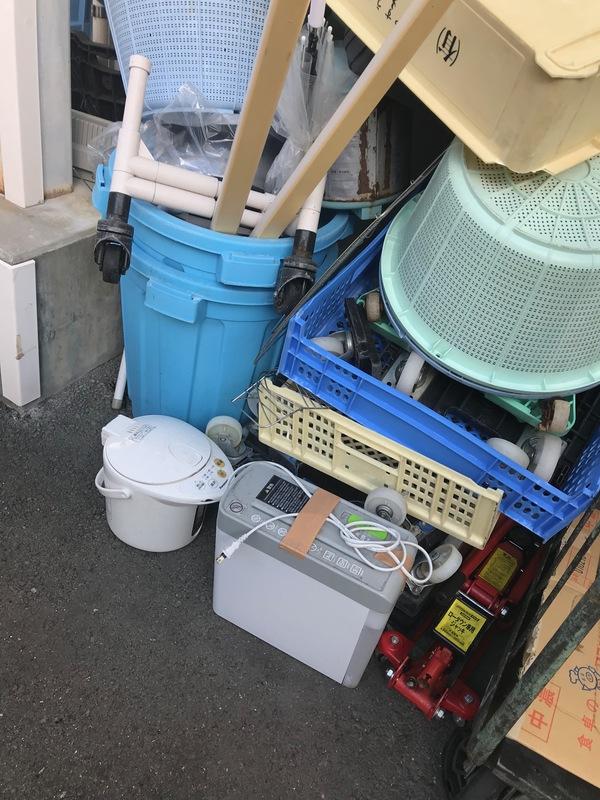 神奈川県相模原市中央区にて、プラスチックなどの不用品回収しました。のサムネイル