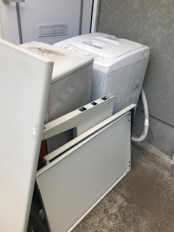 神奈川県茅ヶ崎市萩園にて、冷蔵庫などの不用品回収案件しました。のサムネイル