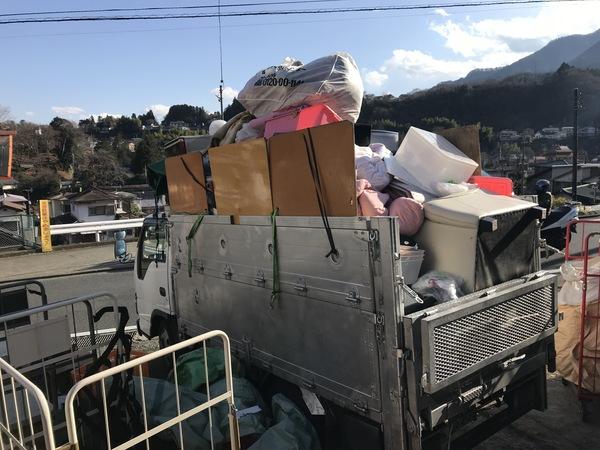 神奈川県川崎市麻生区にて、2トンいっぱいの不用品回収しました。のサムネイル