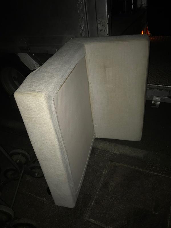 神奈川県川崎市白鳥にて、ソファーの不用品回収をしてました。