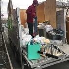 東京都青梅市川辺町にて、2トン1台分の不用品回収してました